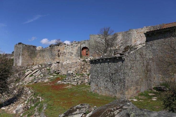 castelo_de_ansi_es_reduzido_2_1_736_2500